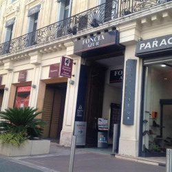 Location Local commercial Cannes 560 m²
