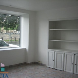 Location Local commercial Laval 90 m²
