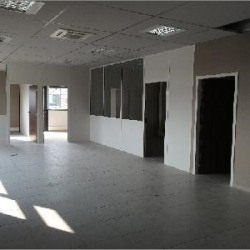 Location Bureau Vourles 397 m²