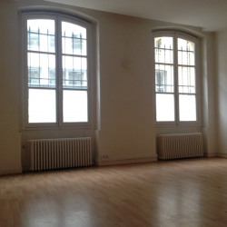 Location Bureau Paris 8ème 83 m²