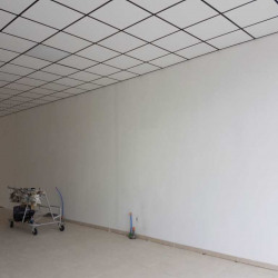 Location Local commercial Vernet 100 m²