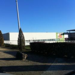 Location Local commercial Saint-Germain-du-Puy 894 m²