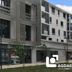 Location Local commercial Voiron 200 m²