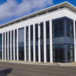 Location Bureau Élancourt 79 m²