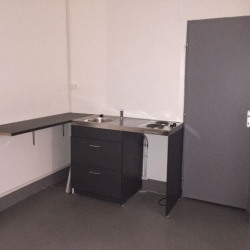 Location Local commercial Marseille 10ème 74 m²