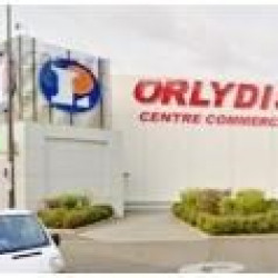 Location Local commercial Orly 150 m²