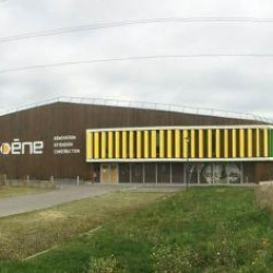 Vente Local d'activités La Mézière 2400 m²
