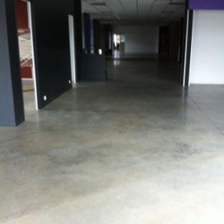 Location Local commercial Le Haillan 260 m²