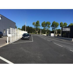 Location Local commercial Pélissanne 200 m²
