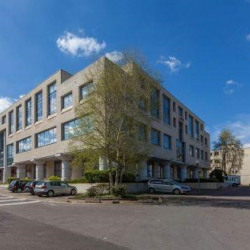 Location Bureau Garches 2250 m²
