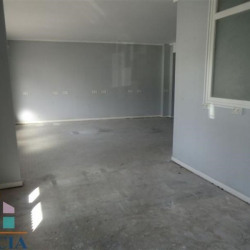 Location Local commercial Lourdes 83,72 m²