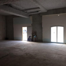 Location Local commercial Nanterre 85 m²
