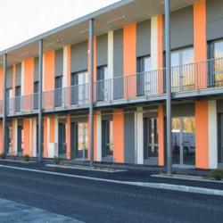 Location Bureau Francheville 911,68 m²