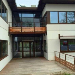 Location Bureau Lissieu 357,19 m²