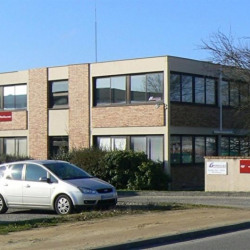 Location Bureau Mérignac 64 m²