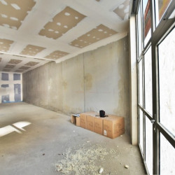 Location Local commercial Paris 18ème 61 m²
