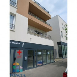 Location Local commercial Épernon 72 m²