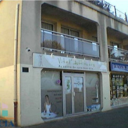 Location Local commercial Le Plessis-Robinson 57,8 m²
