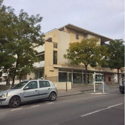 Location Local commercial Marseille 12ème 250 m²