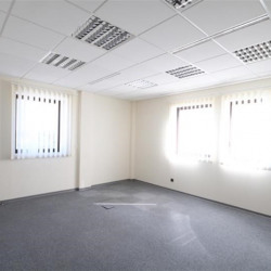 Location Bureau Izernore 1710 m²