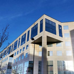 Location Bureau Guyancourt 603 m²