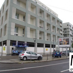 Location Local commercial Lyon 8ème 331 m²