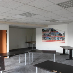 Location Bureau Vitrolles 81 m²