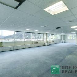 Location Bureau Carros 2973 m²