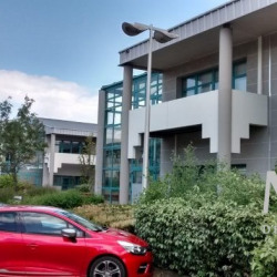 Location Bureau Bron 85 m²