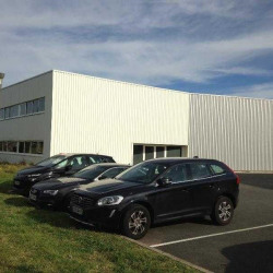 Location Entrepôt Le Haillan 880 m²