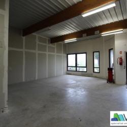 Location Local d'activités Lognes 100 m²