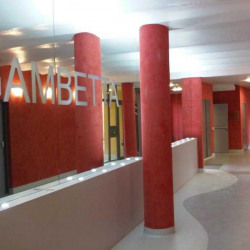 Location Bureau Aix-en-Provence 273 m²