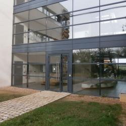 Location Bureau Saint-Cyr-sur-Loire 383 m²