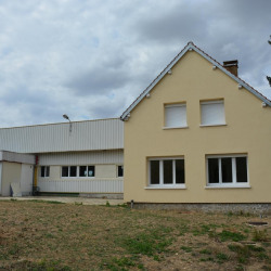 Location Local commercial Ymeray 376 m²