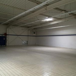 Location Local commercial Saint-Quentin 840 m²