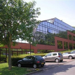 Location Bureau Champs-sur-Marne 914 m²