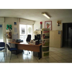Location Bureau Boé 112 m²