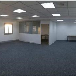 Location Bureau Vitrolles 80 m²