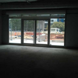 Location Local commercial Nanterre 216 m²