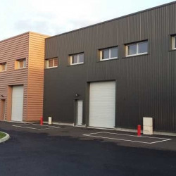 Location Local d'activités Gazeran 858 m²