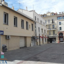 Location Local commercial Saint-Raphaël 52,47 m²