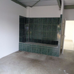 Location Local commercial Parçay-Meslay 360 m²