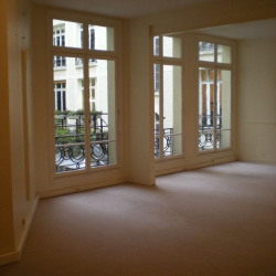 Location Bureau Paris 8ème 70 m²
