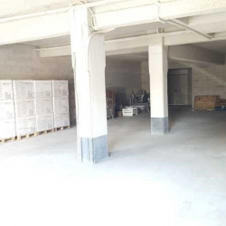 Location Local commercial Courbevoie 310 m²