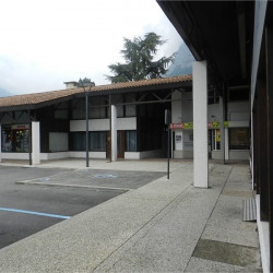 Vente Local commercial Saint-Égrève 180 m²