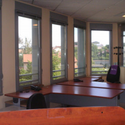 Vente Bureau Saint-Genis-Laval 97 m²