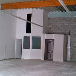 Location Local commercial Saint-Gély-du-Fesc 125 m²