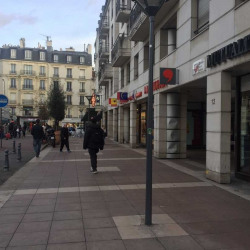 Location Local commercial Issy-les-Moulineaux 46 m²