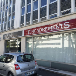 Location Local commercial Le Chesnay 93 m²