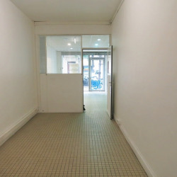Location Local commercial Paris 10ème 65 m²
